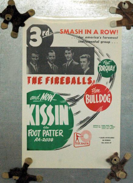 Foot Patter - Kissin (28x42cm)